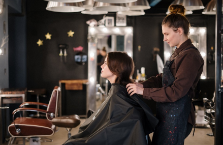Important aspects in how you have to find the best beauty parlour service